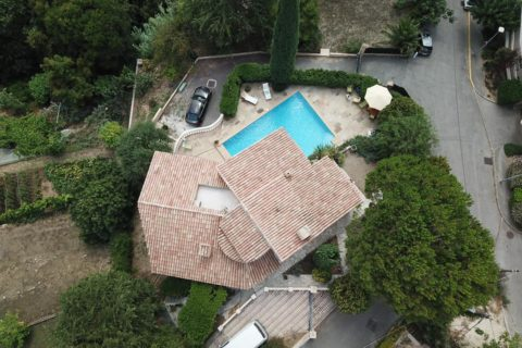 Rénovation totale d'une piscine (vue par drone)